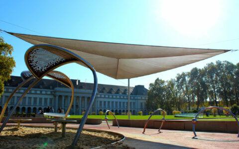 Ein Sonnensegel von Hoffmann - verkauft und aufgebaut von den Michael Bartsch Handelsvertretungen
